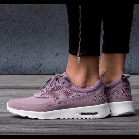 Nike WMNS Air Max Thea PRM Leather (Taupe Grey)
